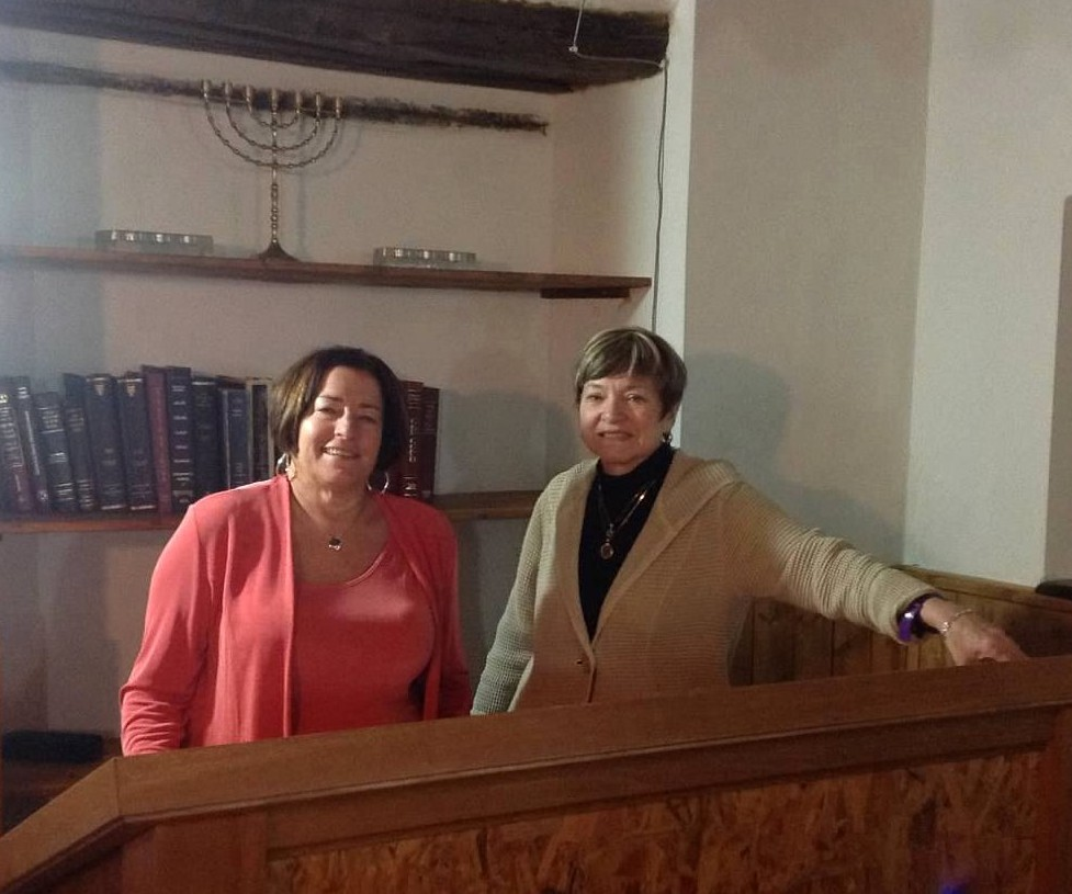Ellen Paderson with Rabbi Barbara Aiello, Serrestretta, Italy