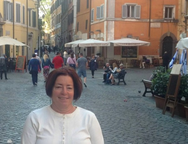 Ellen visits the old Jewish Quarter in Rome - city of Gelato!